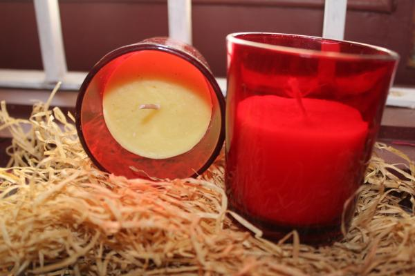 Set of 4 scented candles with red plain votives