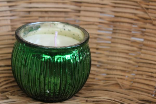 Green Jar candle with eco-friendly soy wax