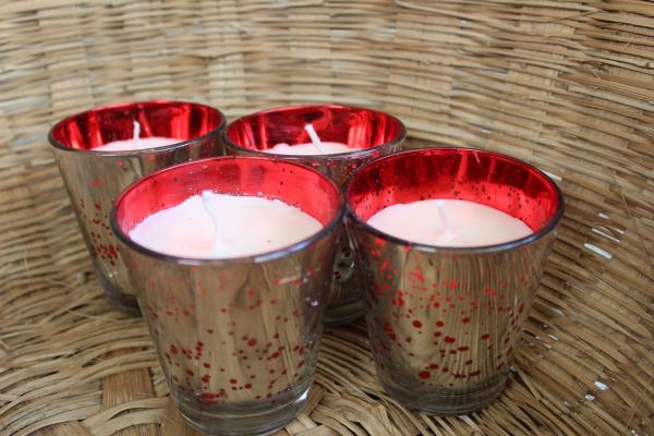Set of 4 red silver sparkling aroma candle votives