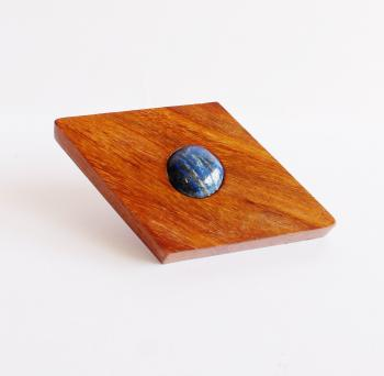 5*5 wooden knob with Lapis stone