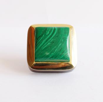 1.75*1.75 inch Wooden knob with brass and with Malachite stone