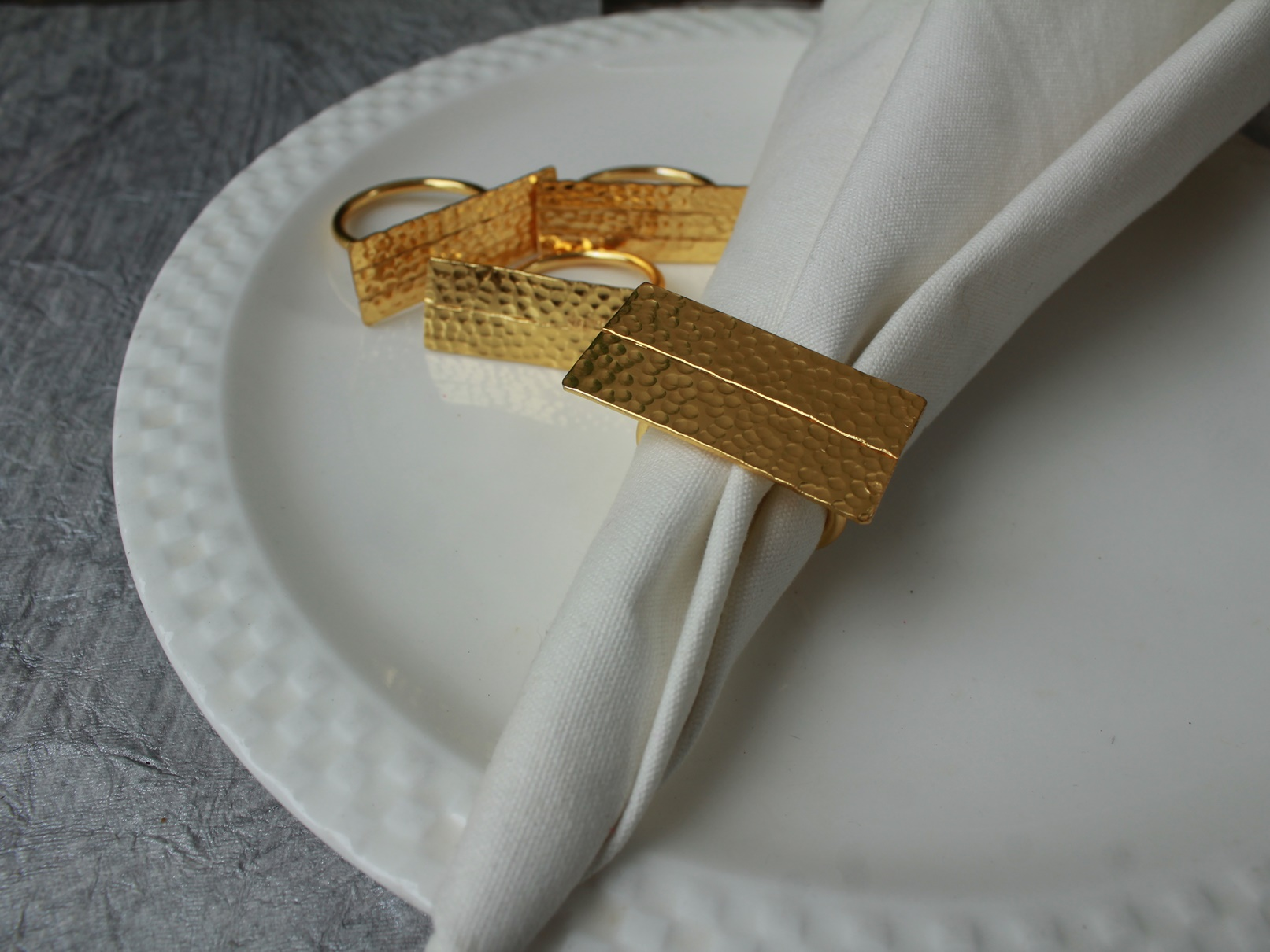 Brass Dual broad Hammered napkin ring (SET of 4)