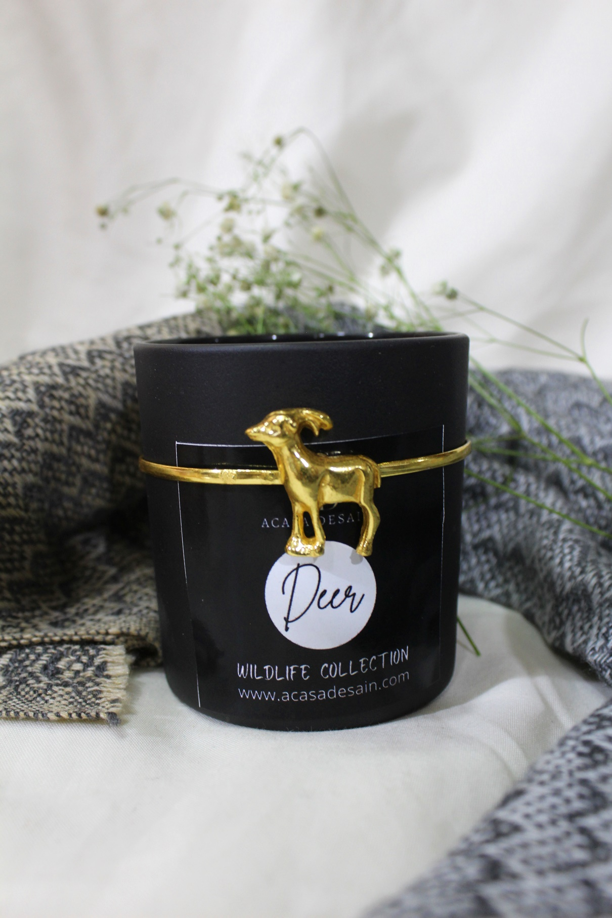 3D Deer Aroma Soy Black Matte Candle from Wildlife Collection (Black/ Gold / Rose Plating)